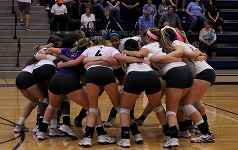 Volleyball Wins Against Tomball, Improves Record
