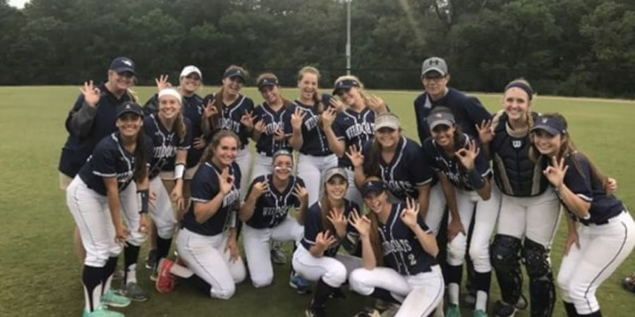 Softball+Loses+to+Elgin%2C+Proud+of+what+they+Accomplished