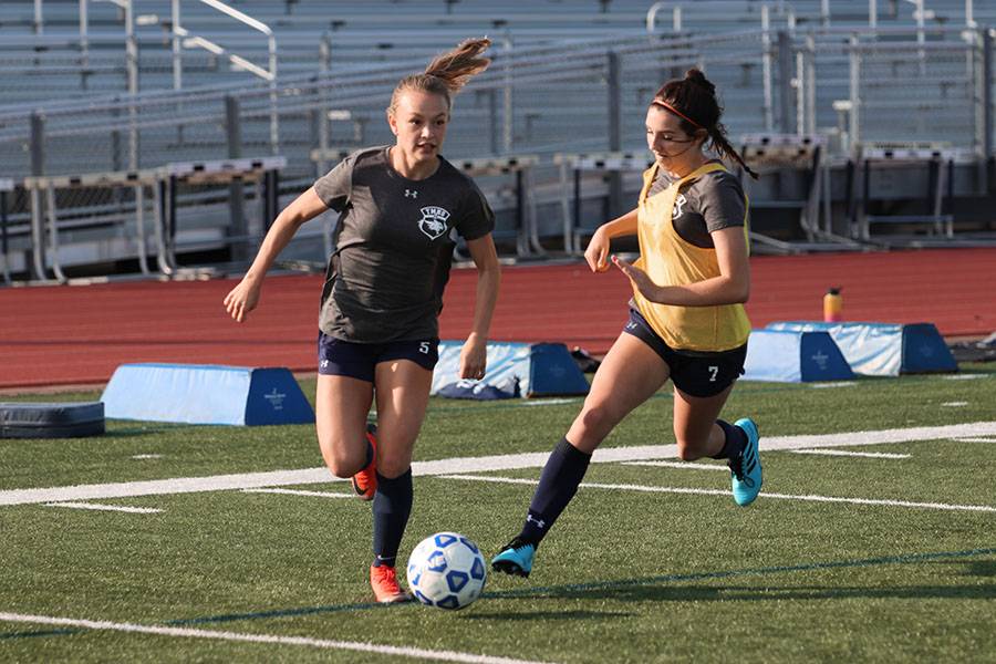 Girls varsity soccer kicks off season