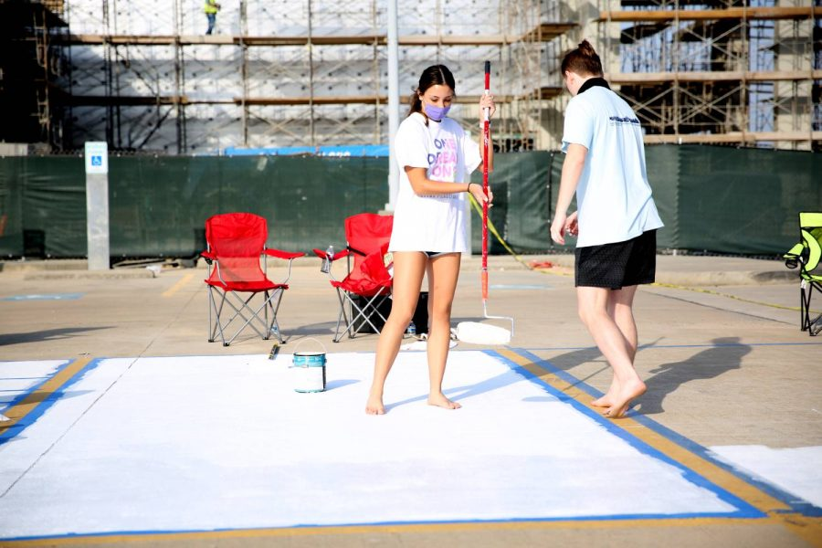 Seniors continue painting spots.